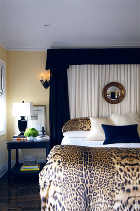 Leopard Print Bedroom Decor by 20 Tips To Use Animal Prints In Your Bedroom Home Ideas