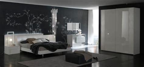 Made In Italy Quality Modern Design Bed Set Feat Crocodile
