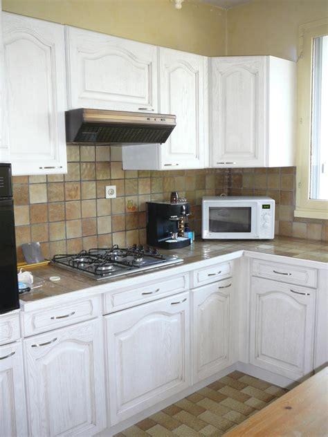 changer couleur cuisine renovation cuisine rustique meuble rustique mur en accent dans une maison rustique with