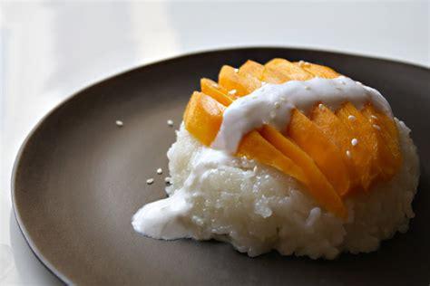 Thai Coconut Sticky Rice And Mango ข้าวเหนียวมะม่วง