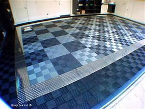 RaceDeck PRO Metal Diamond Plate Floor Tile, aluminum