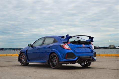 Honda Civic Type R Photo by Fk8 Honda Civic Type R Gets Price Bump For 2018 Entry