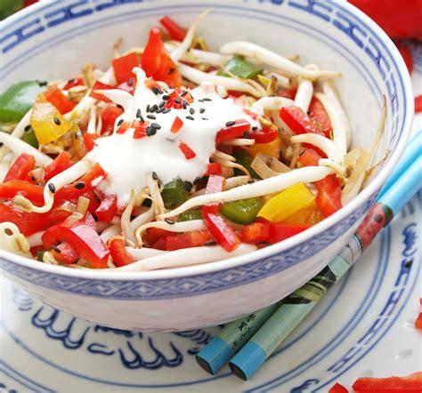 cuisiner pousse de soja salade de soja pour 4 personnes recette de salade com