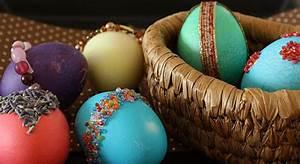 Gekochte Eier Dekorieren : funkel ostereier ostereier dekorieren ~ Markanthonyermac.com Haus und Dekorationen