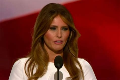 Melania Trump and Michelle Obama side-by-side comparison - YouTube