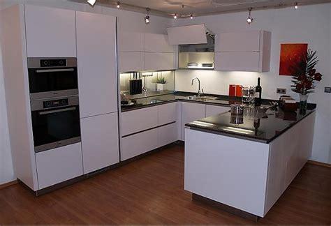 Küche Magnolia Rot