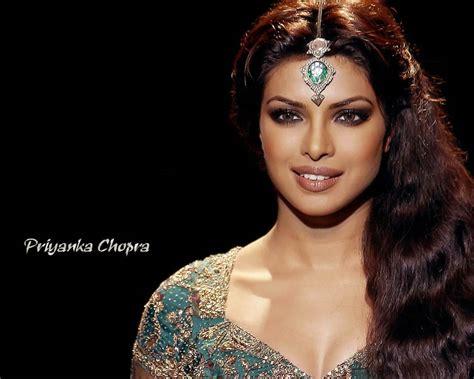Filmi Masala Priyanka Chopra Hot Wallpapers
