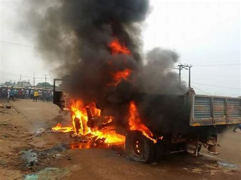 Accident Involving Tipper & A Bus Kills Many In Edo This