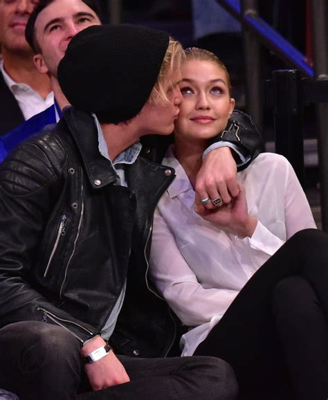 gigi hadid  cody simpson  knicks game april