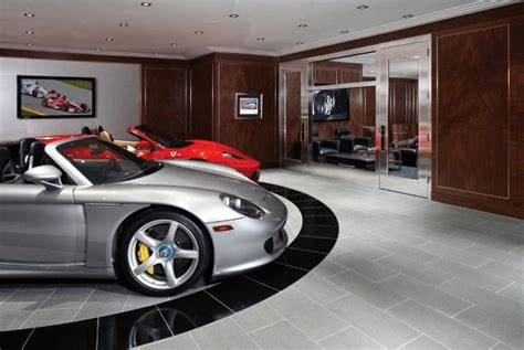 garage flooring ideas  men paint tiles  epoxy coatings