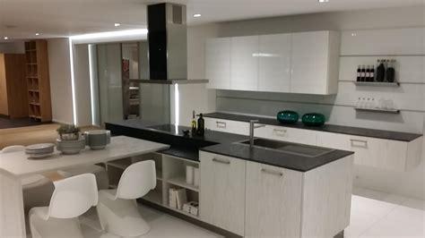 cuisine blanche plan de travail noir superbe quelle couleur avec une cuisine blanche 9