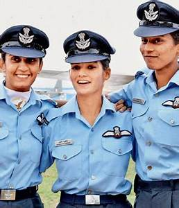 First 3 lady officers to fly fighter aircraft in IAF to ...