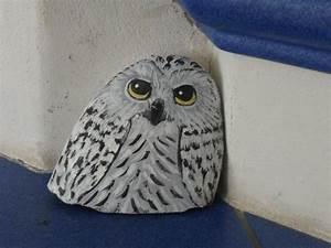 Steine Bemalen Katze : schnee eule bemalter stein bei ebay bemalter stein bemalte steine katzen tiere auf stein ~ Watch28wear.com Haus und Dekorationen