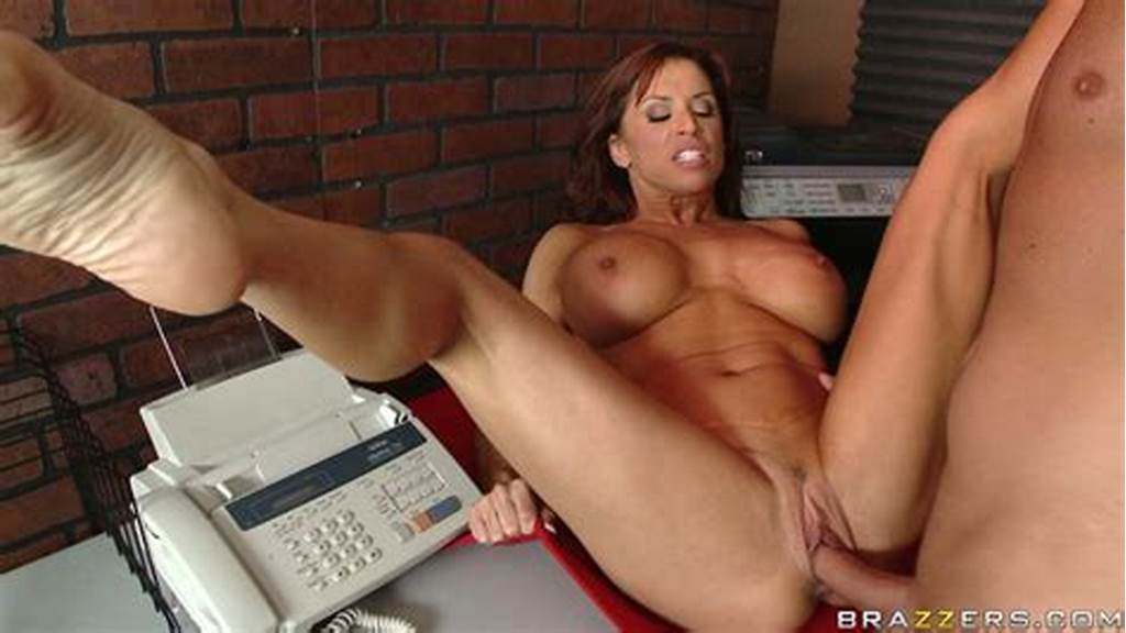 #Athletic #Curly #Haired #Milf #Devon #Michaels #Gets #Her #Muff