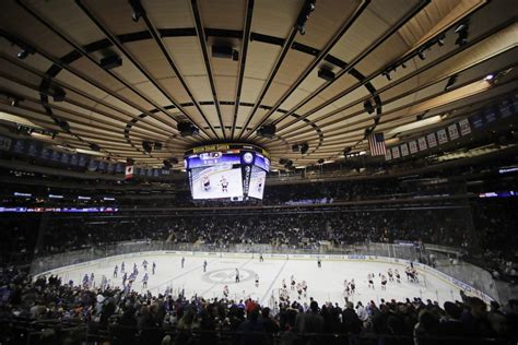 Badgers Men's Hockey Chance To Play At Madison Square