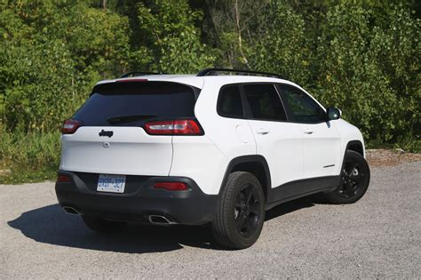 review  jeep cherokee  north canadian auto review