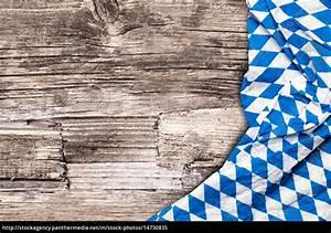 Bild Auf Holz : oktoberfest tischdecke auf holz tisch lizenzfreies bild 14730835 bildagentur panthermedia ~ Frokenaadalensverden.com Haus und Dekorationen