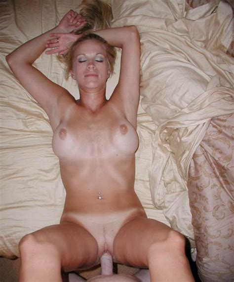 Blonde Amateur Girlfriend Sucking And Fucking Dick Nude