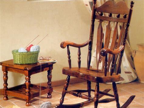 poltrone a dondolo in legno poltrona dondolo canada poltrone relax poltrona a
