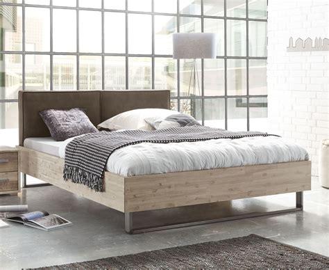 Bett Industrial Style by Industrial Style Bett Mit Kufen Und Kunstleder Kopfteil