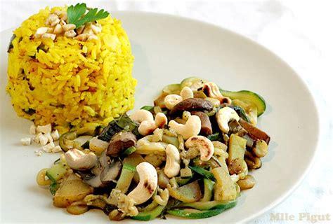 comment cuisiner du tofu riz jaune et légumes sautés aux noix de cajou 1 2 3 veggie