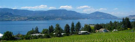 Pontoon Boat Rental Vernon Bc by Okanagan Lake Is A Great Lake To Explore With Your Kelowna