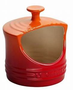 Swissmar silicone travel bottle holds 3 oz of any liquid for Le creuset sizes by letter