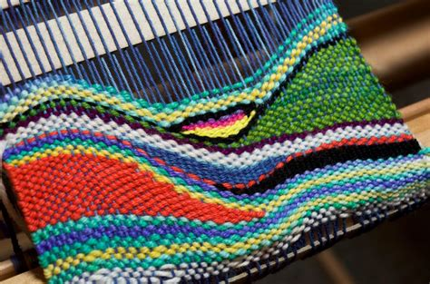 kelly casanova tapestry style weaving   rigid heddle