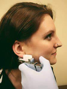 Piercing With Guns Vs  Needles