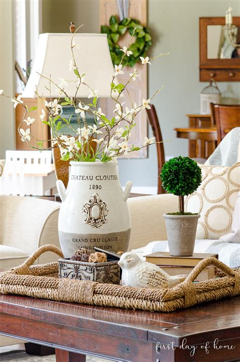Take your coffee table decor to the next level with these easy styling tricks that will show you just how to decorate your coffee table, no matter your style. How to Create an Elegant Look with Coffee Table Decor