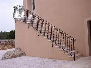 Rambarde Fer Forgé : rampe d 39 escalier style aix en provence ferronnier var ~ Dallasstarsshop.com Idées de Décoration