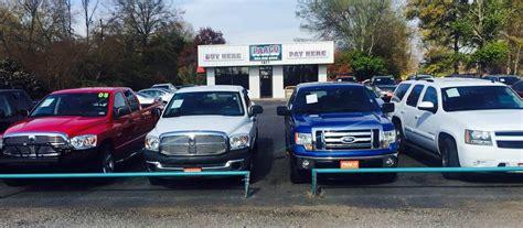 small  car dealerships    cars