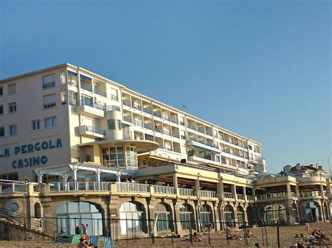 booking appartement res pergola st jean luz