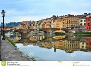 Fluß Durch Florenz : br cken ber der arno fluss in florenz italien stockfoto bild 45493816 ~ A.2002-acura-tl-radio.info Haus und Dekorationen