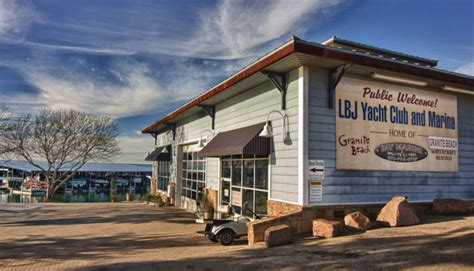 Lake Lbj Boat Rentals by 5 Places To Stay And Play In Horseshoe Bay