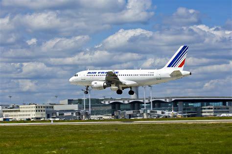 aeroport bordeaux merignac recrutement adbm atterrissage compagnie air a 233 roport de bordeaux m 233 rignac