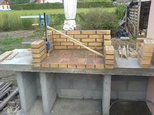 Barbecue En Dur : autres exemples de construction de barbecues barbecues ~ Melissatoandfro.com Idées de Décoration