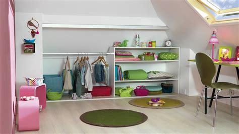 chambre bébé sous pente amenagement chambre sous comble chambre bebe epuree dco