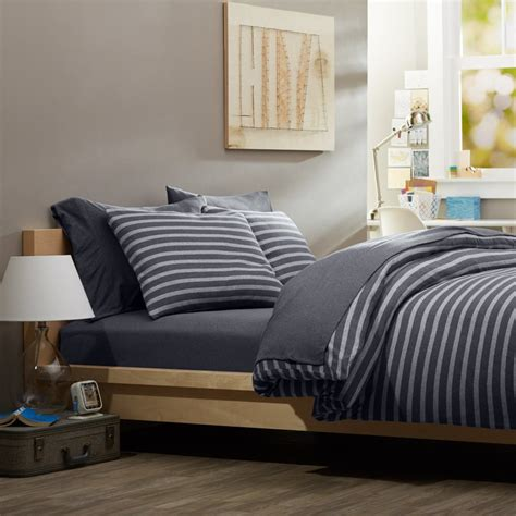 reversible white and blue pattern comforter sets with