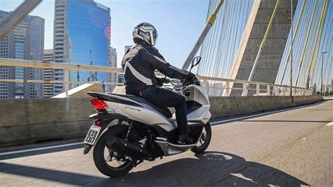Honda Pcx 2018 Cores by Honda Pcx 150 Ganha Duas Cores Na Linha 2018