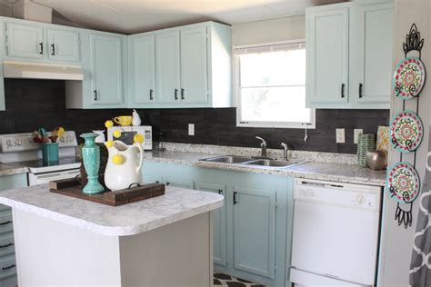 Backsplash : Our  Backsplash {using Vinyl Flooring}