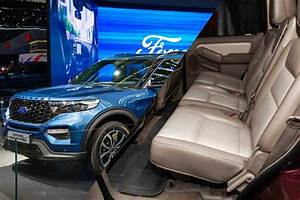 How Many Seats Does the Ford Explorer Have? - Vehicle HQ