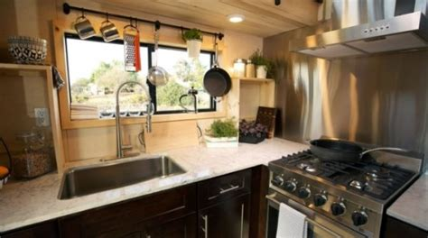Couple's Tiny House With Awesome Outdoor Kitchen