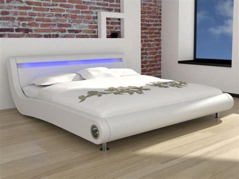 lit vente unique lit etincelle 160x200cm pu blanc et leds ventes pas cher
