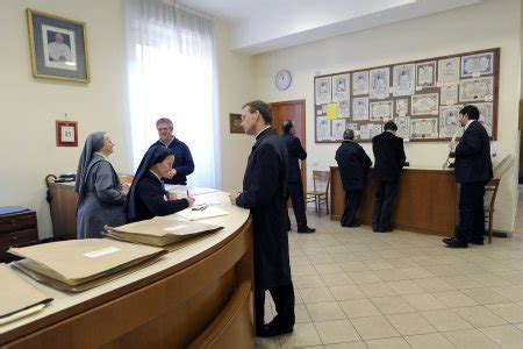 Elemosineria Apostolica Ufficio Pergamene Office Of Papal Charities Information About Applying For