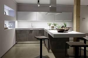 Küche Beton Holz : l form k che lack wei beton nur bei der wahren k chen b rse ~ Markanthonyermac.com Haus und Dekorationen