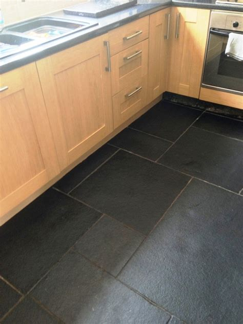 limestone kitchen tiles kitchen warwickshire tile doctor 3805