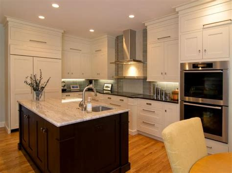 oak shaker style kitchen cabinets shaker kitchen cabinets pictures ideas tips from hgtv 7135