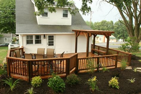 Screened In Porch With Deck On Top