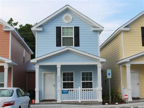 Town House : Comfortable And Clean Townhouse, One Block...-vrbo